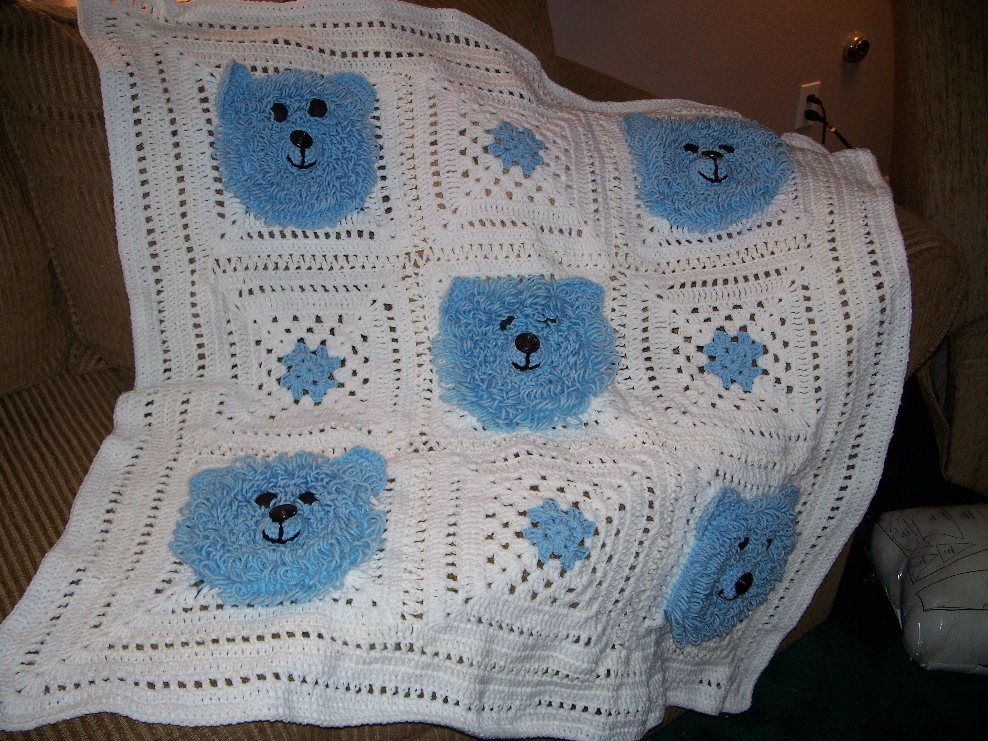 Free Teddy Bear Filet Crochet Afghan Pattern : CROCHET TEDDY BEAR AFGHAN PATTERN Crochet Projects